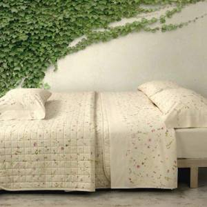 stella-quilted-bedspread_1_1